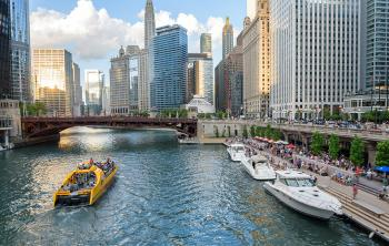 A view of Chicago's downtown Riverwalk